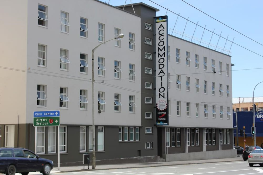 Lodge in the City - Hostel