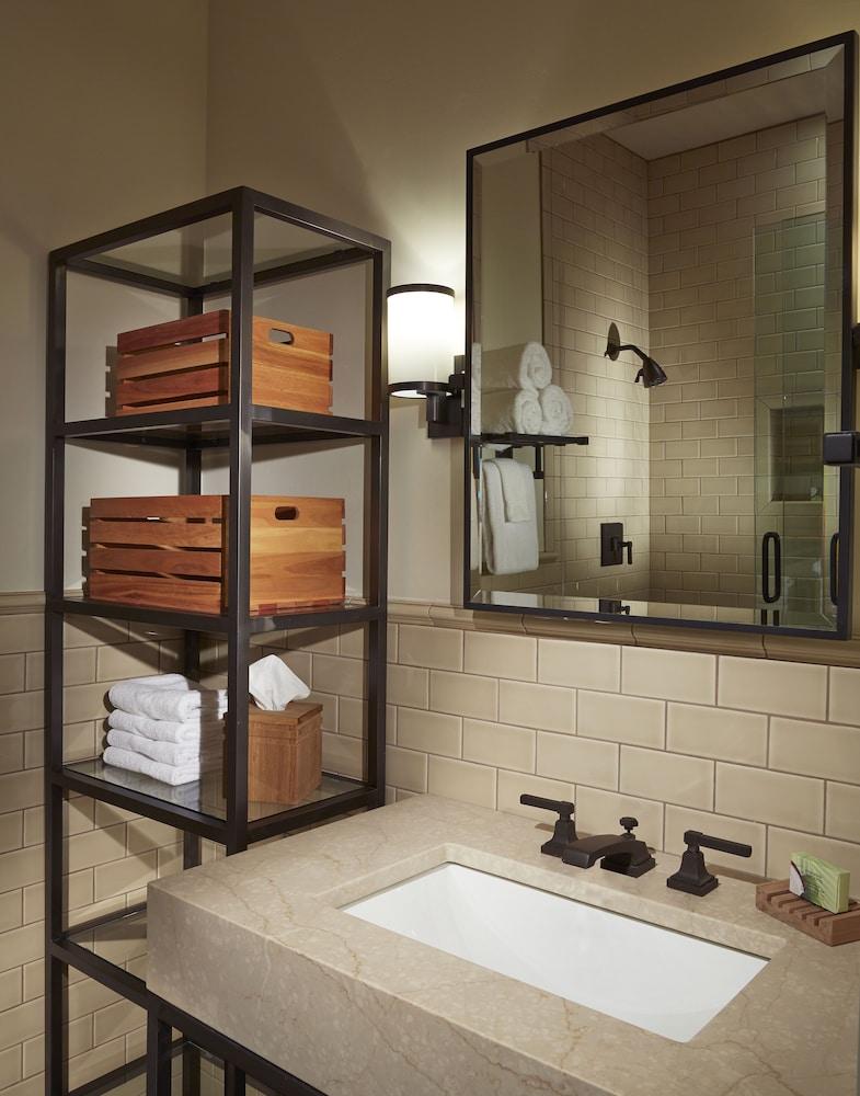 서니사이드 레스토랑 & 로지(Sunnyside Restaurant & Lodge) Hotel Image 16 - Bathroom