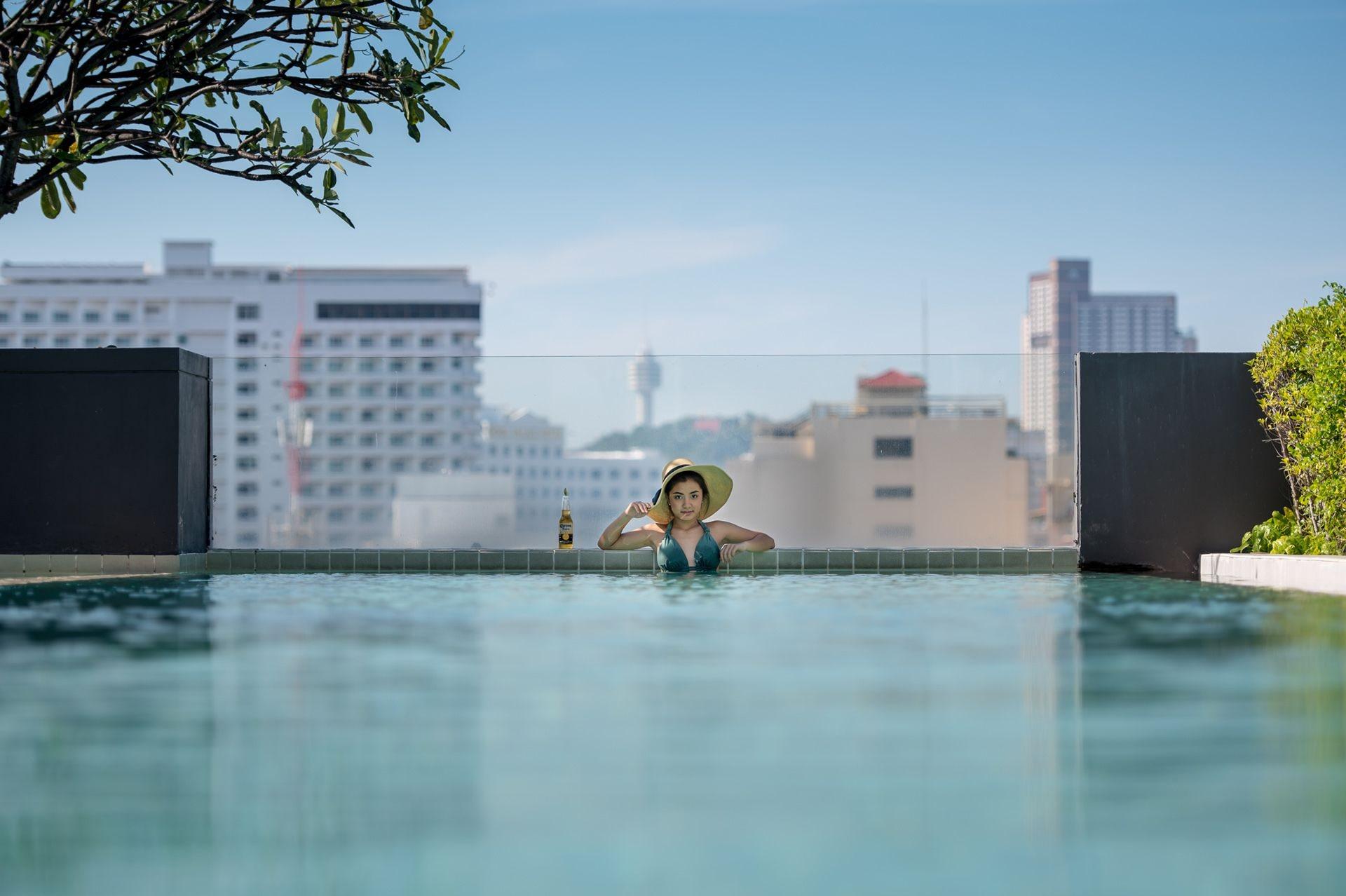 Page 10, Hotel, Pattaya