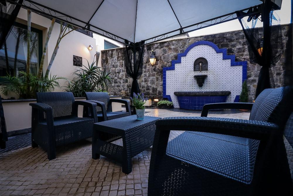 호텔 카모에스(Hotel Camões) Hotel Image 1 - 분수