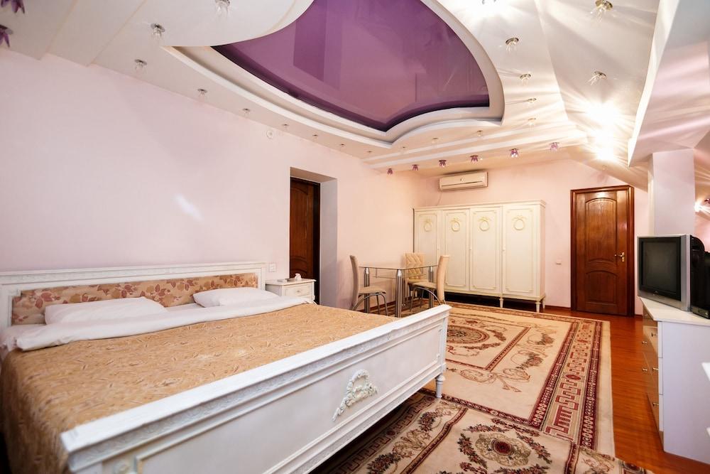 에지오 팰리스 호텔(Ezio Palace Hotel) Hotel Image 14 - Guestroom