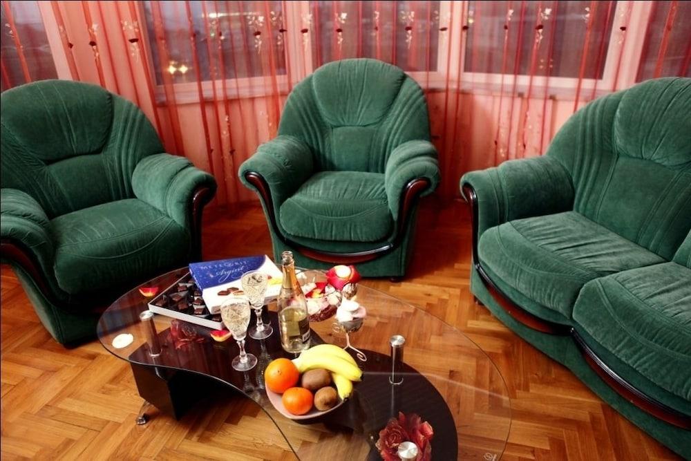 에지오 팰리스 호텔(Ezio Palace Hotel) Hotel Image 4 - Lobby Sitting Area