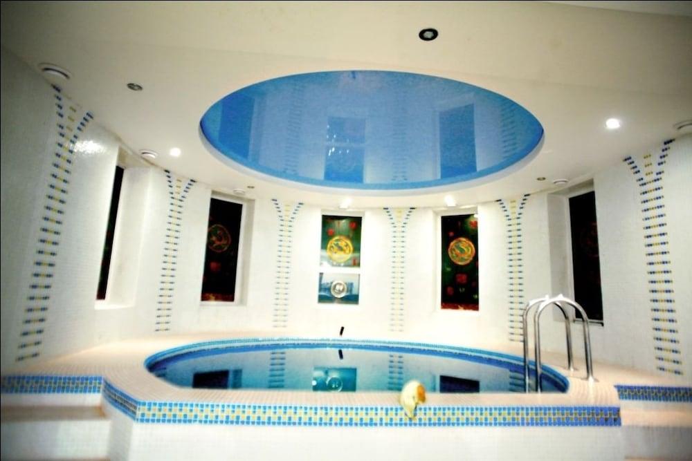 에지오 팰리스 호텔(Ezio Palace Hotel) Hotel Image 27 - Indoor Pool