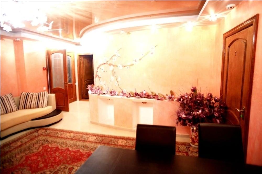 에지오 팰리스 호텔(Ezio Palace Hotel) Hotel Image 1 - Lobby
