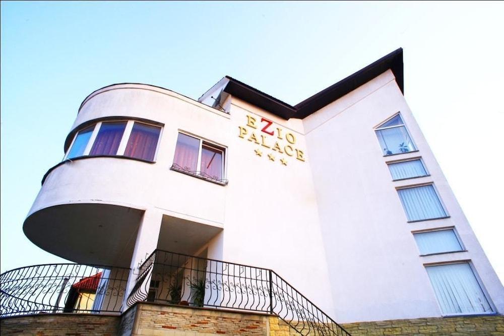 에지오 팰리스 호텔(Ezio Palace Hotel) Hotel Image 17 - Interior Entrance