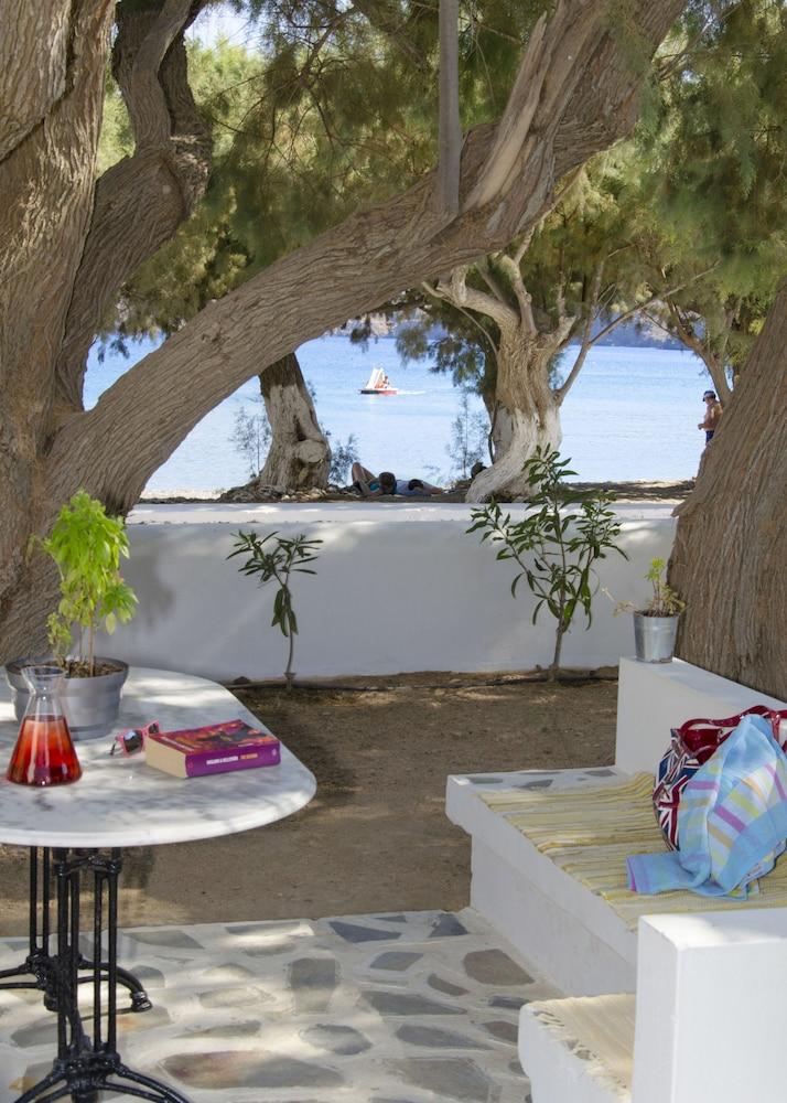 모우러스 스튜디오(Mouras Studios) Hotel Image 58 - Terrace/Patio