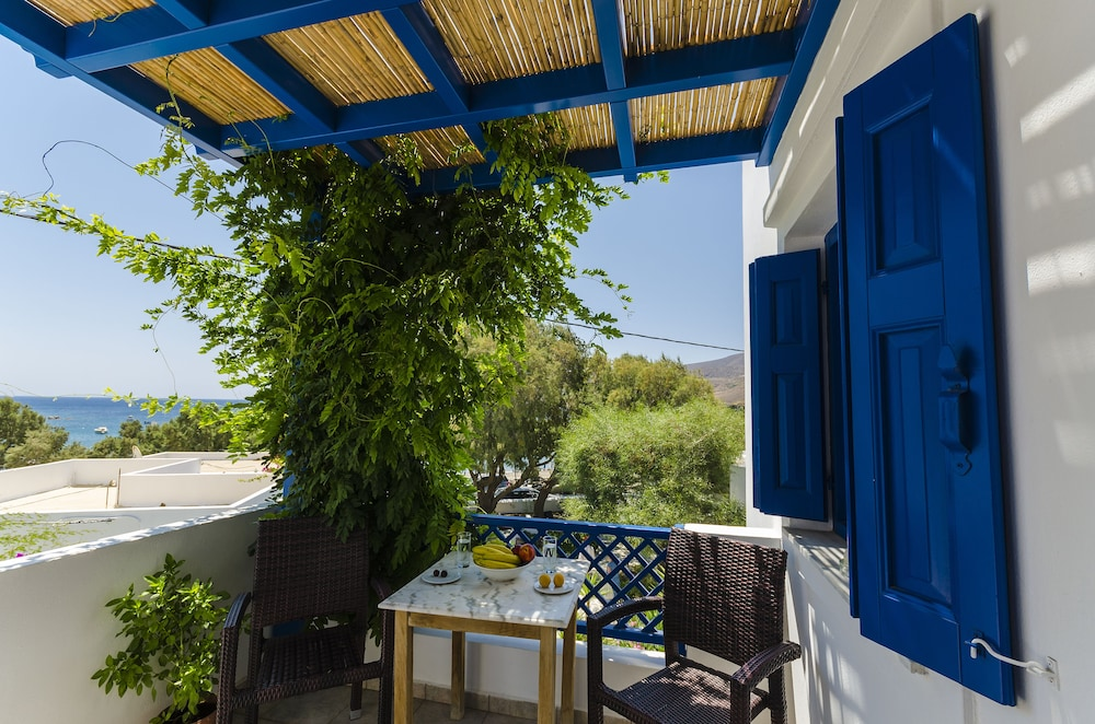 모우러스 스튜디오(Mouras Studios) Hotel Image 32 - Balcony