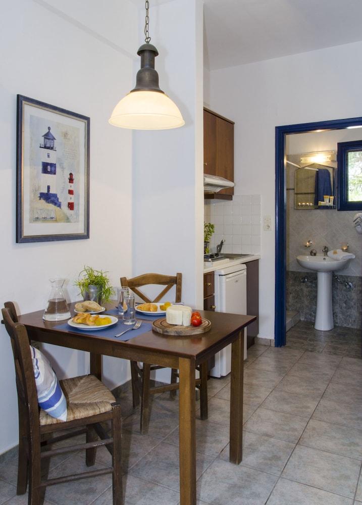 모우러스 스튜디오(Mouras Studios) Hotel Image 18 - In-Room Dining