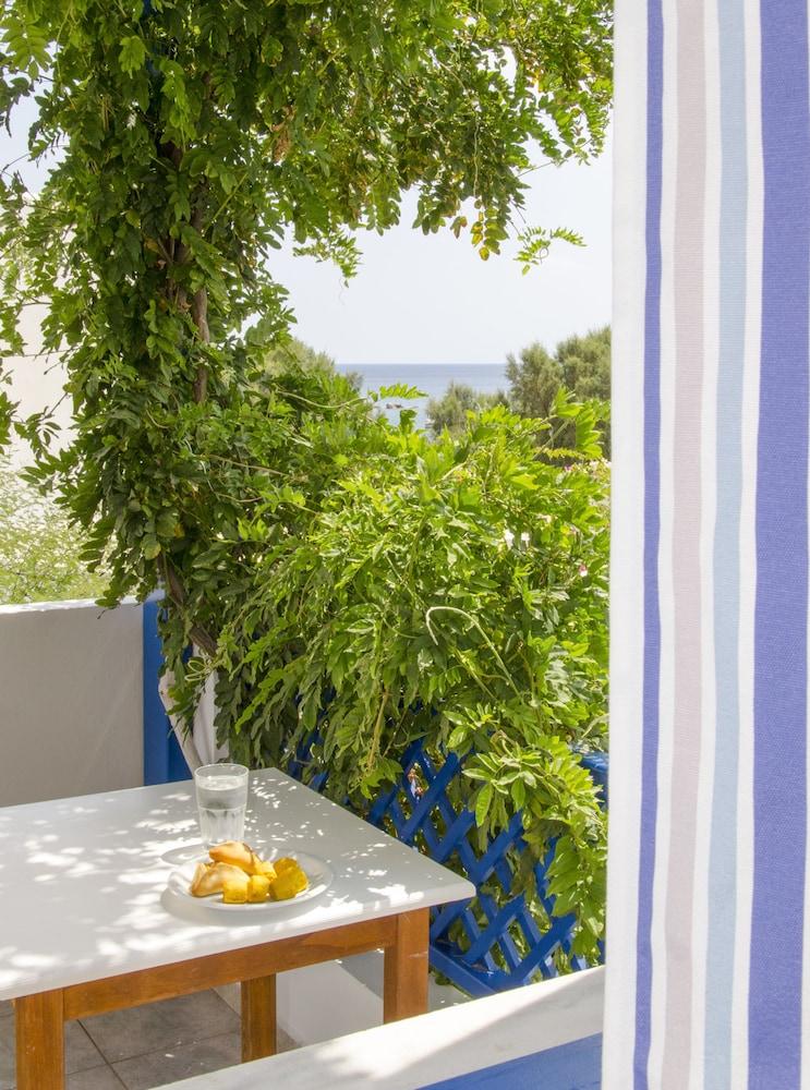 모우러스 스튜디오(Mouras Studios) Hotel Image 33 - Balcony