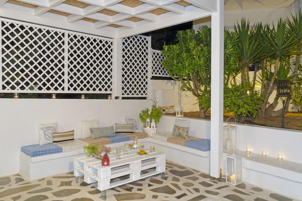 모우러스 스튜디오(Mouras Studios) Hotel Image 65 - Terrace/Patio