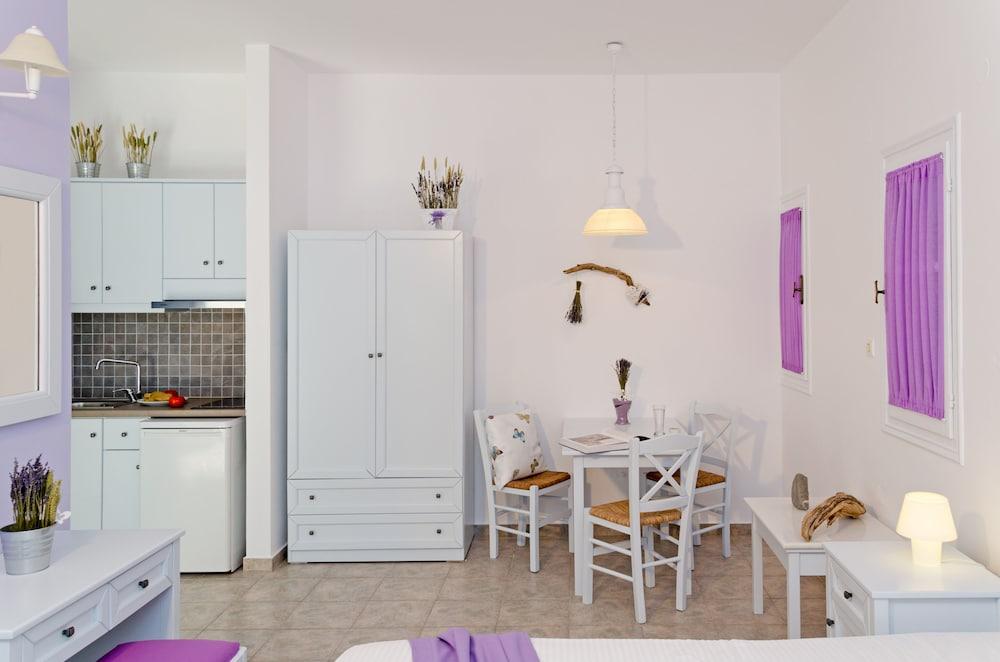 모우러스 스튜디오(Mouras Studios) Hotel Image 23 - Living Area