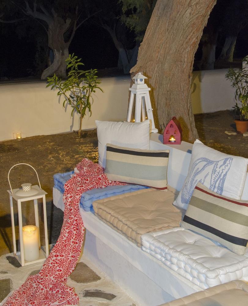 모우러스 스튜디오(Mouras Studios) Hotel Image 70 - Terrace/Patio
