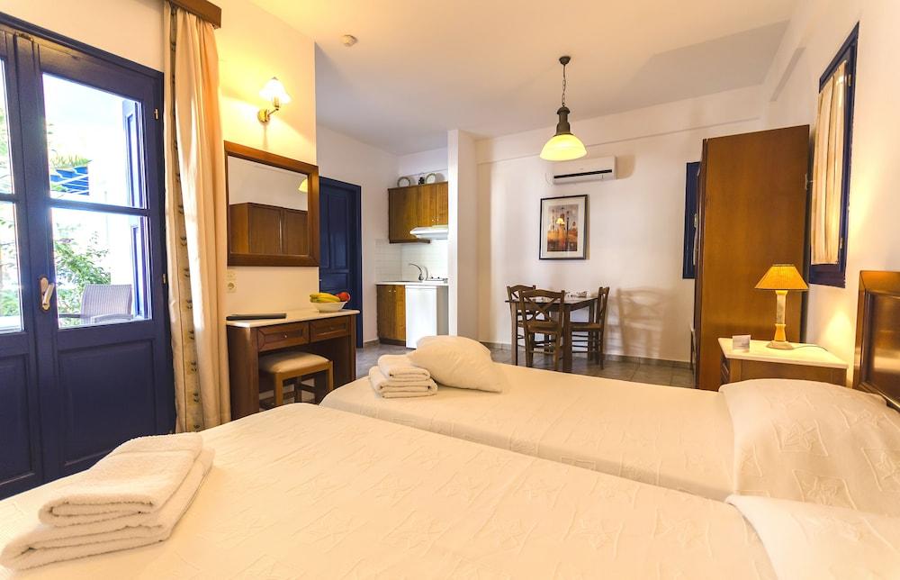 모우러스 스튜디오(Mouras Studios) Hotel Image 40 - Guestroom