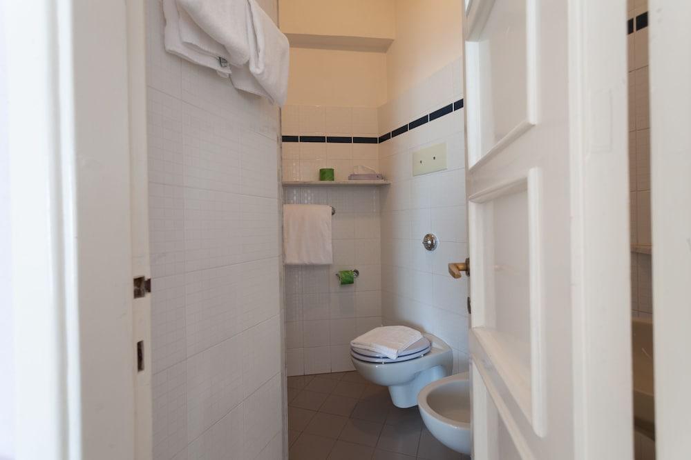 호텔 일 니도(Hotel il Nido) Hotel Image 4 - Guestroom