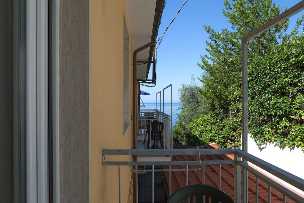호텔 일 니도(Hotel il Nido) Hotel Image 51 - View from Hotel