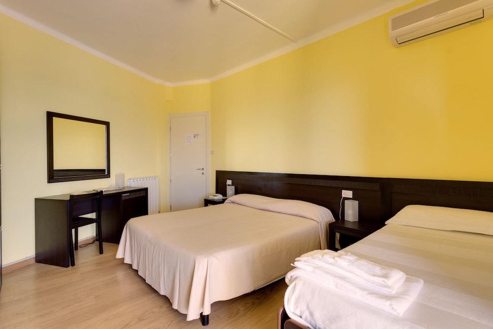 호텔 일 니도(Hotel il Nido) Hotel Image 9 - Guestroom