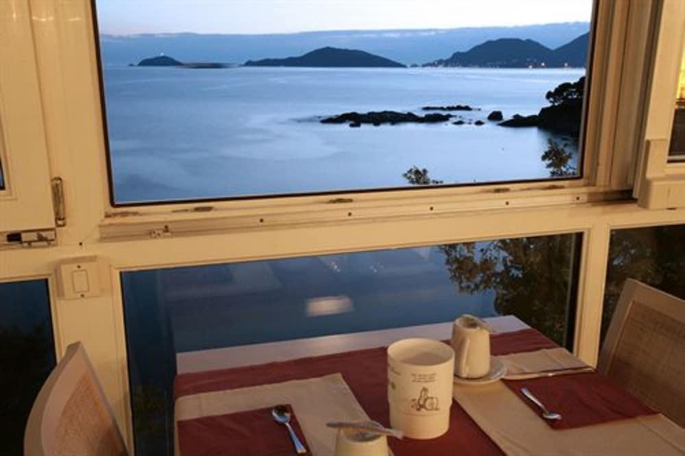 호텔 일 니도(Hotel il Nido) Hotel Image 44 - Outdoor Dining