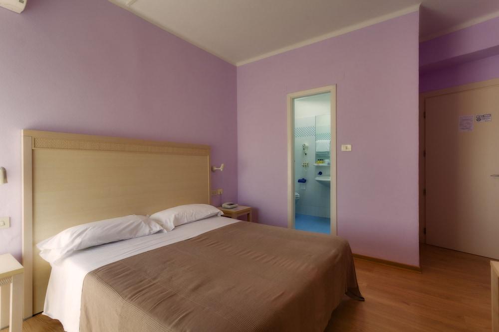 호텔 일 니도(Hotel il Nido) Hotel Image 11 - Guestroom
