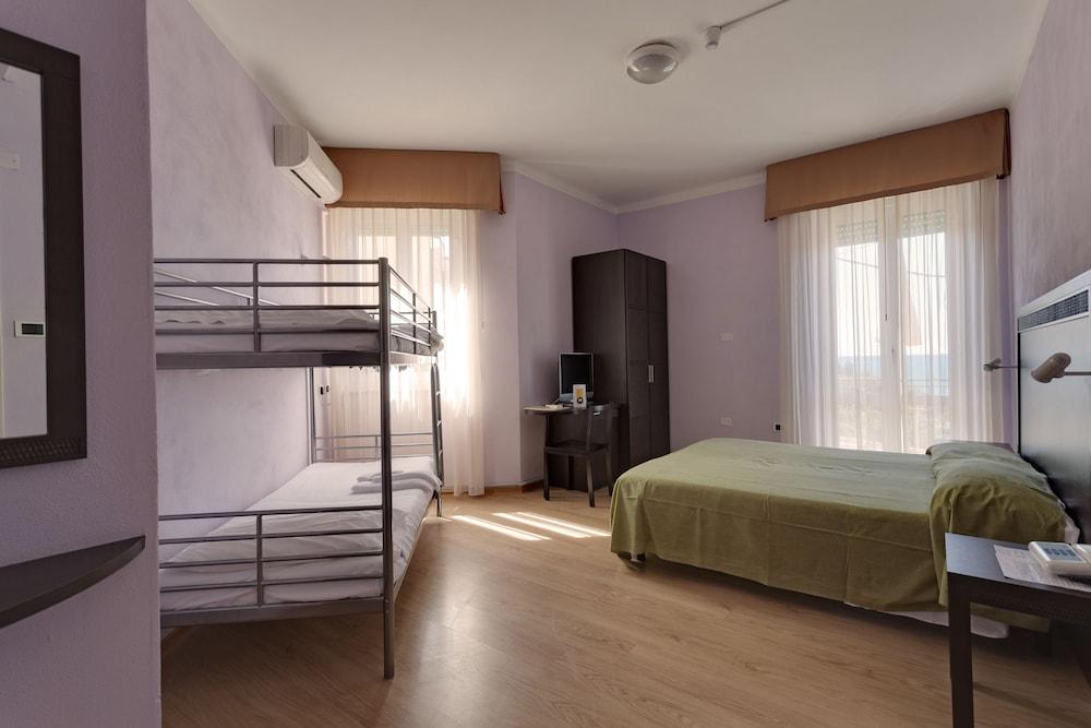 호텔 일 니도(Hotel il Nido) Hotel Image 18 - Guestroom
