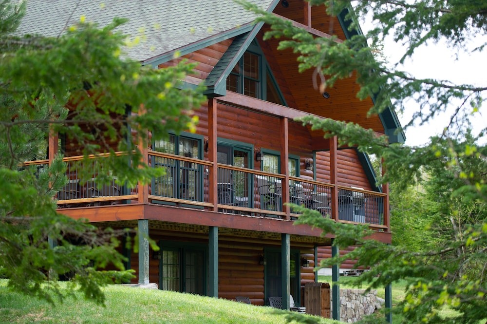 랑글리 레이크 리조트(Rangeley Lake Resort) Hotel Image 67 - Exterior detail