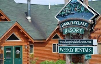 랑글리 레이크 리조트(Rangeley Lake Resort) Hotel Image 62 - Hotel Front - Evening/Night