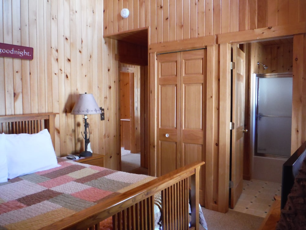 랑글리 레이크 리조트(Rangeley Lake Resort) Hotel Image 11 - Guestroom