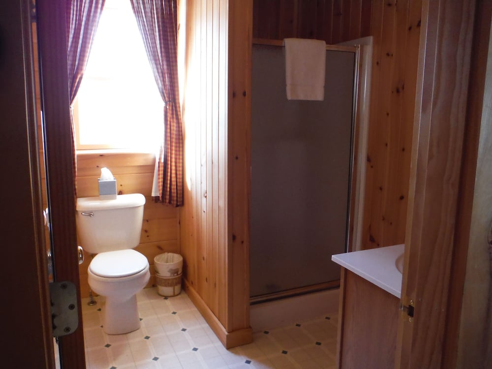 랑글리 레이크 리조트(Rangeley Lake Resort) Hotel Image 39 - Bathroom