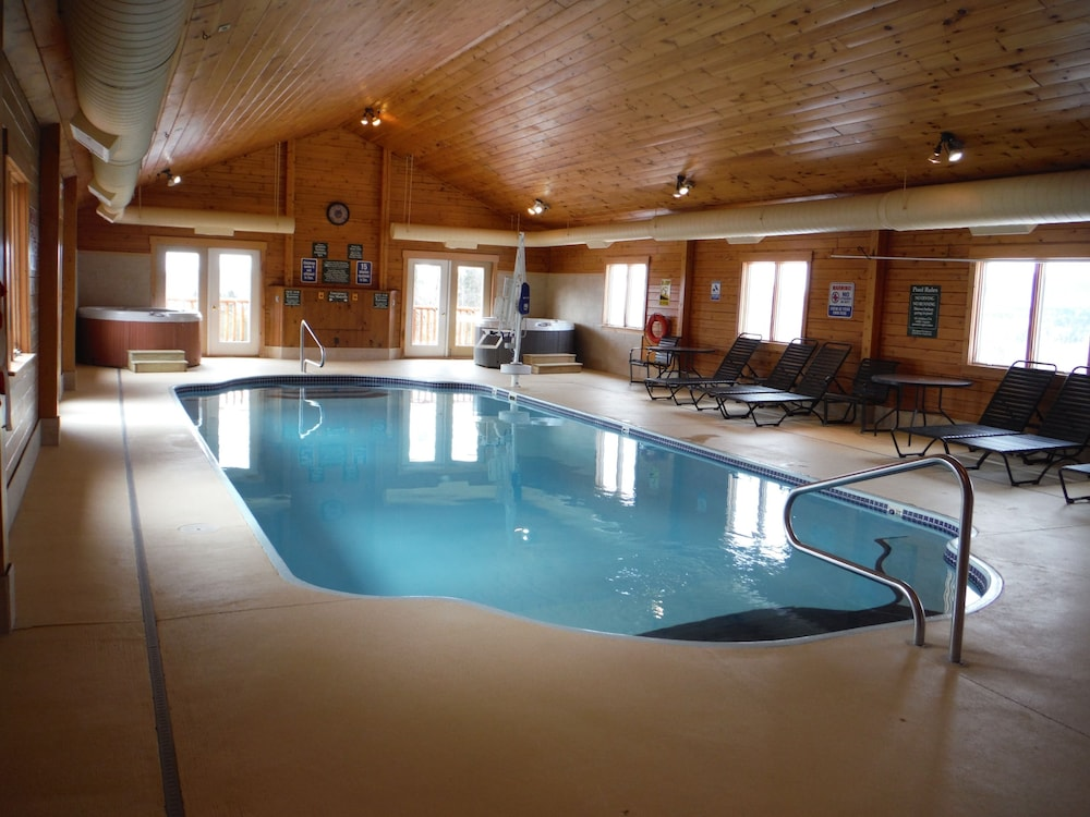 랑글리 레이크 리조트(Rangeley Lake Resort) Hotel Image 41 - Indoor Pool
