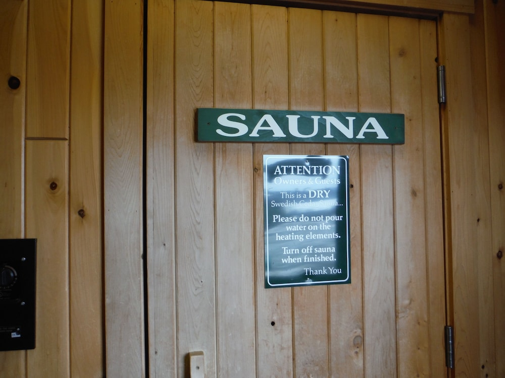 랑글리 레이크 리조트(Rangeley Lake Resort) Hotel Image 45 - Sauna