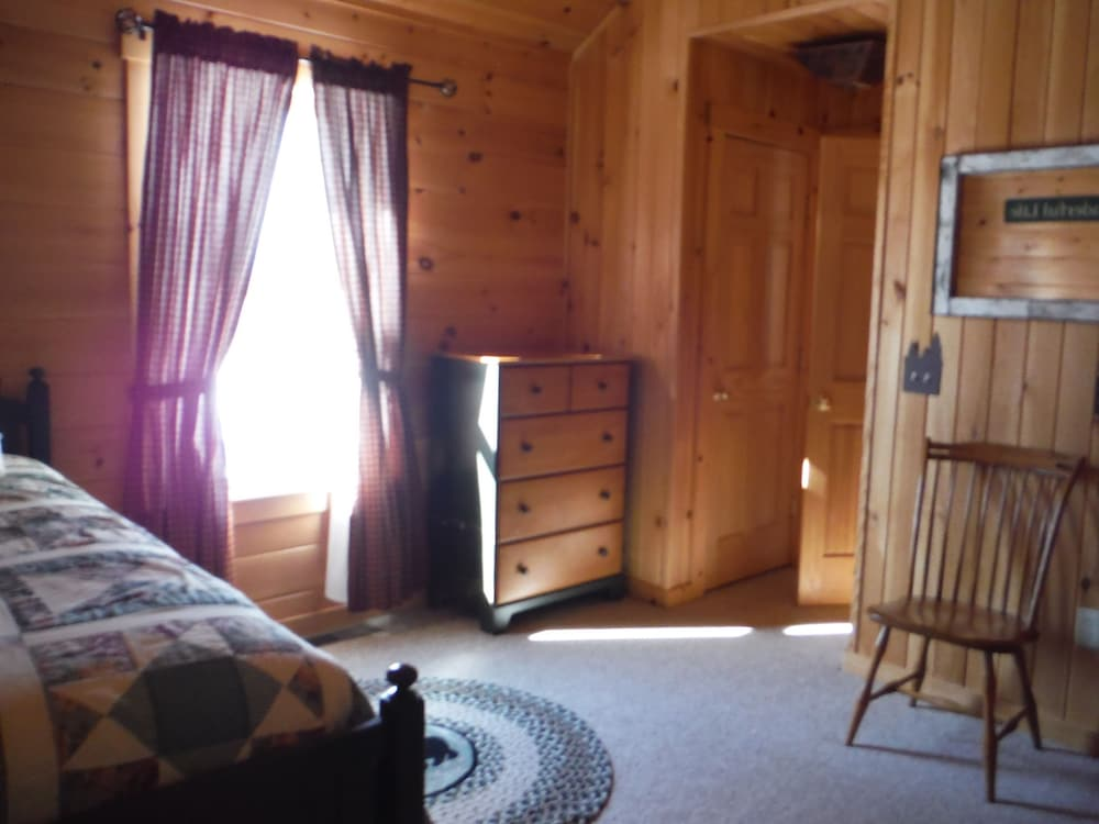 랑글리 레이크 리조트(Rangeley Lake Resort) Hotel Image 15 - Guestroom