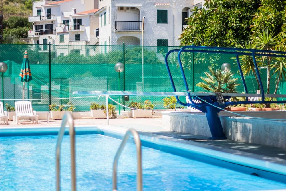 호텔 메디테라네오(Hotel Mediterraneo) Hotel Image 14 - Rooftop Pool