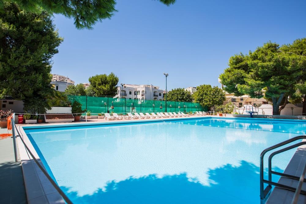 호텔 메디테라네오(Hotel Mediterraneo) Hotel Image 15 - Rooftop Pool