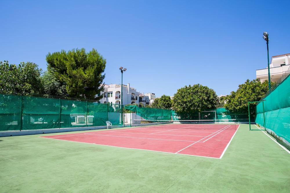 호텔 메디테라네오(Hotel Mediterraneo) Hotel Image 22 - Tennis Court