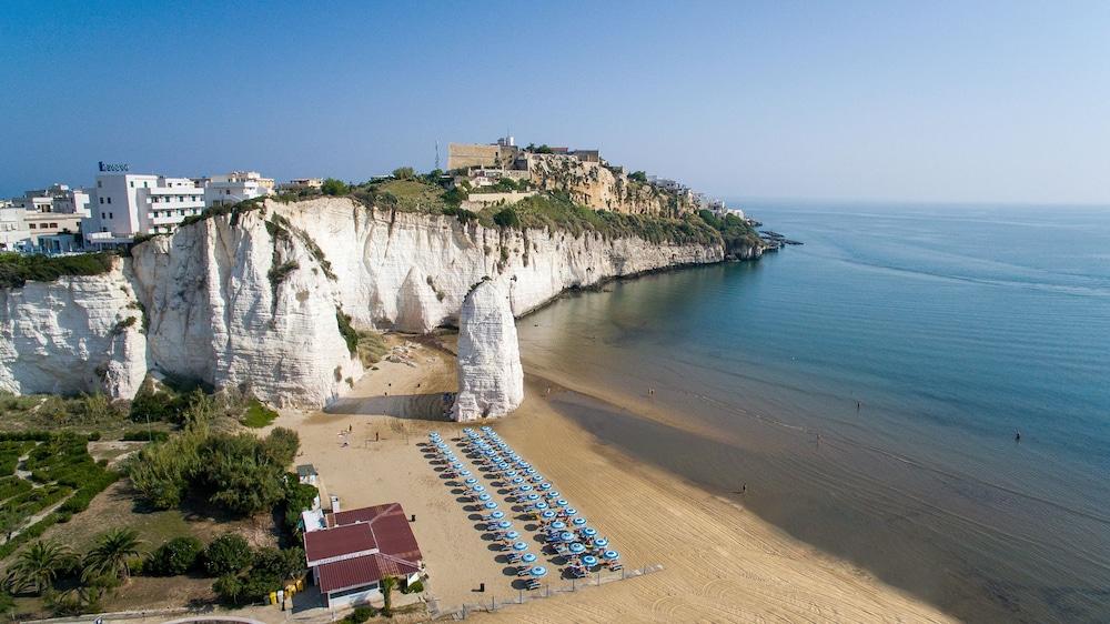 호텔 메디테라네오(Hotel Mediterraneo) Hotel Image 37 - Beach