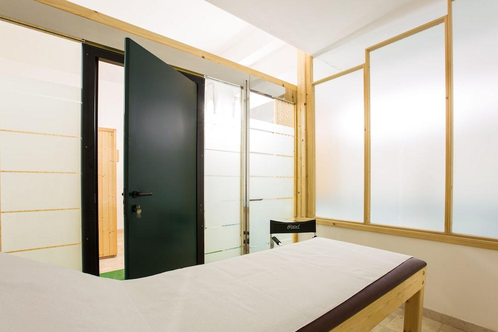 호텔 메디테라네오(Hotel Mediterraneo) Hotel Image 41 - Treatment Room