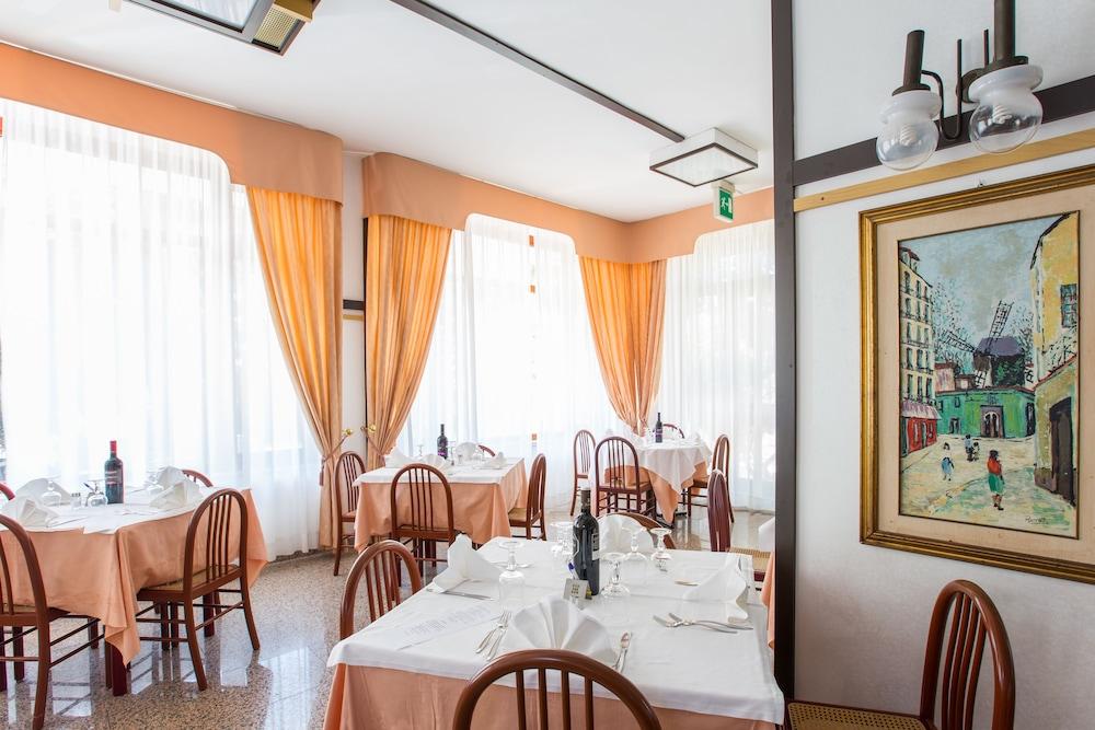 호텔 메디테라네오(Hotel Mediterraneo) Hotel Image 33 - Restaurant