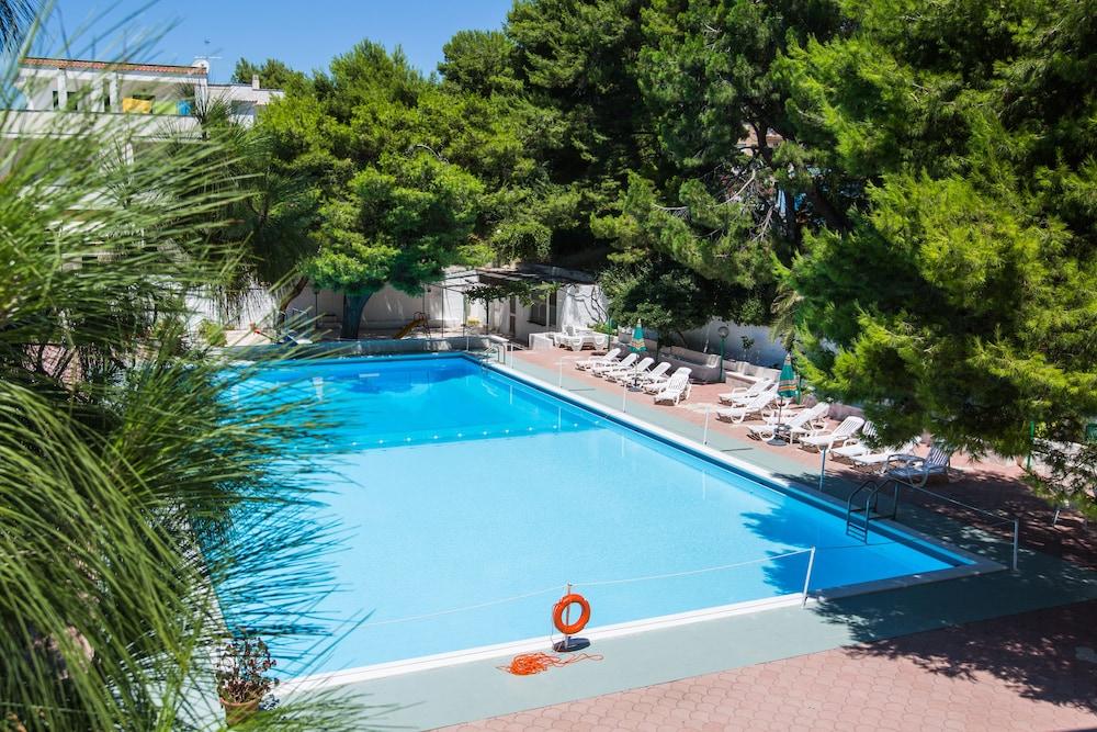 호텔 메디테라네오(Hotel Mediterraneo) Hotel Image 16 - Rooftop Pool