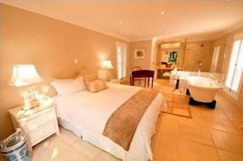 더 웨슬리(The Wesley) Hotel Image 8 - Guestroom