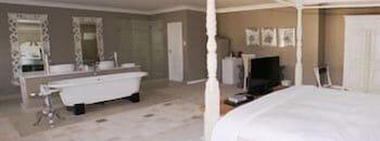 더 웨슬리(The Wesley) Hotel Image 5 - Guestroom