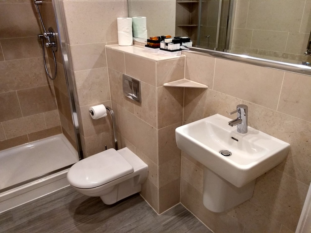 M스테이 러셀 코트 호텔(MStay Russell Court Hotel) Hotel Image 42 - Bathroom