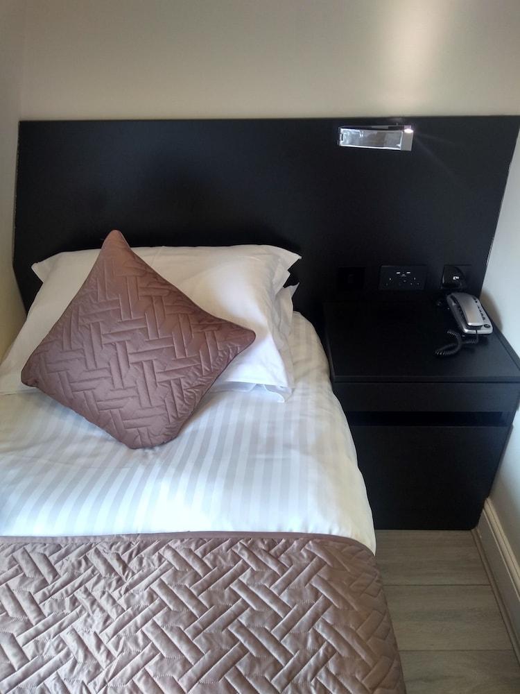 M스테이 러셀 코트 호텔(MStay Russell Court Hotel) Hotel Image 10 - Living Room