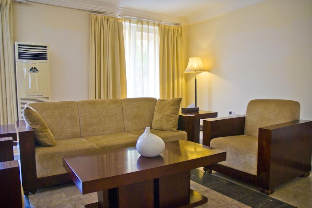미라지 로열 호텔(Mirage Royale Hotel) Hotel Image 4 - Guestroom