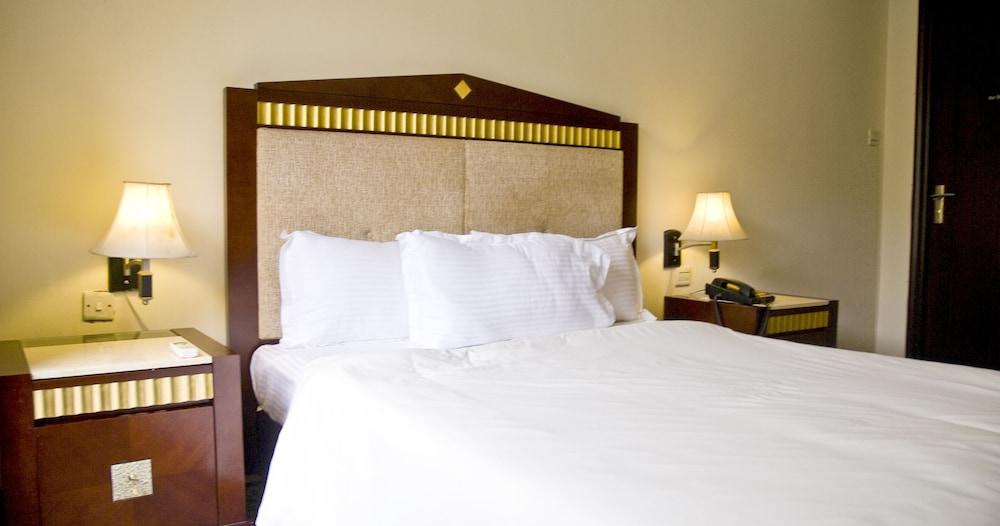 미라지 로열 호텔(Mirage Royale Hotel) Hotel Image 6 - Guestroom