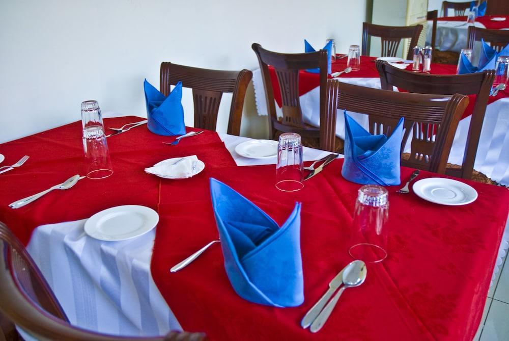 미라지 로열 호텔(Mirage Royale Hotel) Hotel Image 17 - Food Court