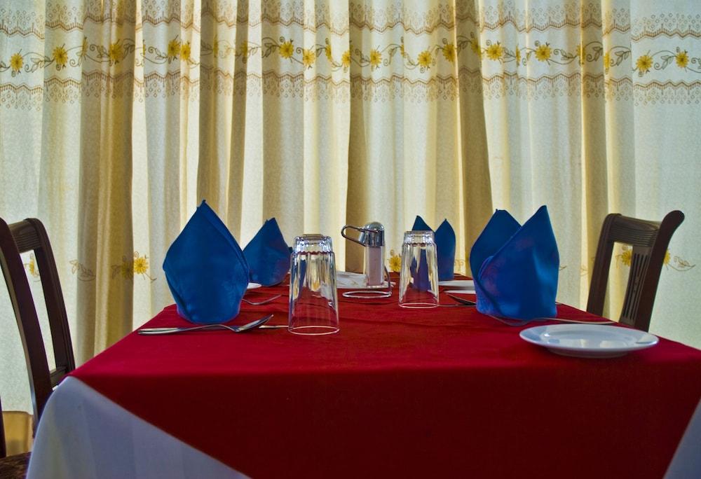 미라지 로열 호텔(Mirage Royale Hotel) Hotel Image 19 - Food Court