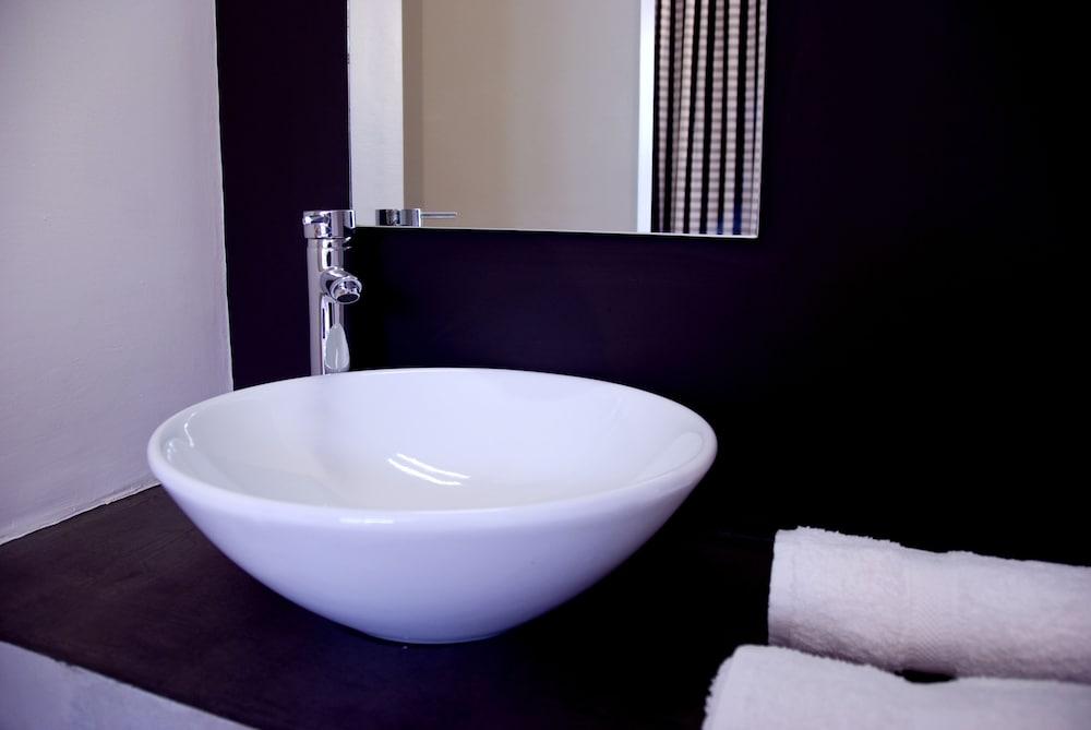 오노모 호텔 다카르(Onomo Hotel Dakar) Hotel Image 9 - Bathroom