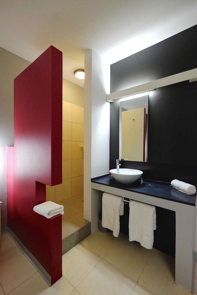 오노모 호텔 다카르(Onomo Hotel Dakar) Hotel Image 10 - Bathroom
