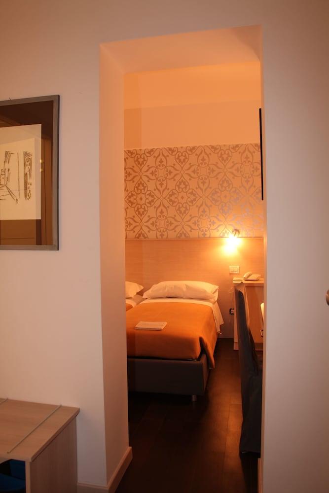 호텔 아피아 442(Hotel Appia 442) Hotel Image 8 - Guestroom