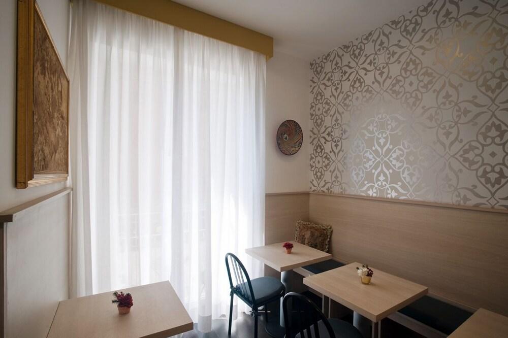 호텔 아피아 442(Hotel Appia 442) Hotel Image 30 - Dining