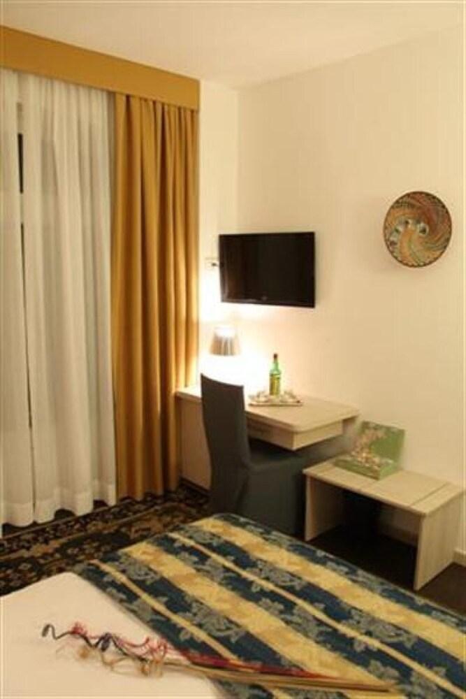 호텔 아피아 442(Hotel Appia 442) Hotel Image 5 - Guestroom